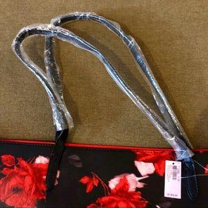 Victoria's Secret Bags - NWT Victoria's Secret black & red floral tote bag